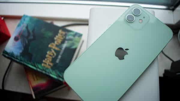 Успех iPhone 12